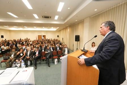 Auditório da 8a. Conferência da Advocacia - discurso Rodrigo Lyra