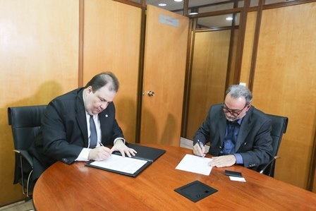 Adib Sad e Ernísio Dias assinam a parceria