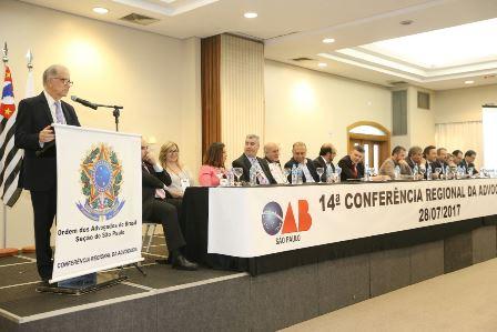 Mesa diretora em Conferência da Advocacia em Marília