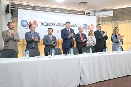 Mesa diretora na Conferência de Presidente Epitácio