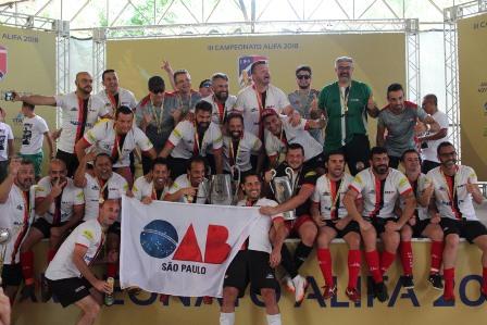 Selecionado paulista vence o III Campeonato Brasileiro de Futebol dos Advogados