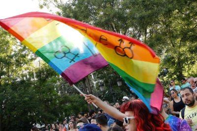 Luta contra a LGBTfobia: Brasil avança legalmente, mas preconceito e violência permanecem