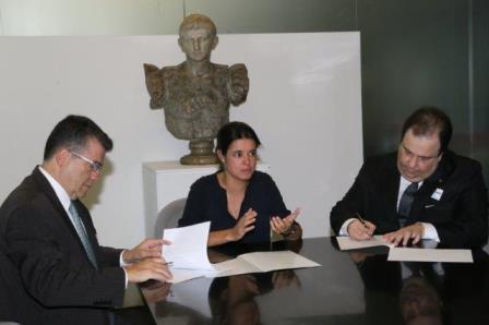Assinatura do termo de renovação da parceria