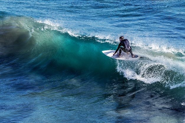 Circuito de Surfe da Advocacia volta em outubro na praia de Camburi, em São Sebastião