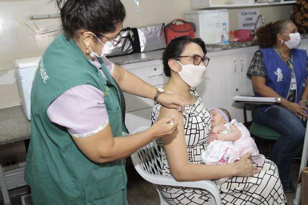 Dia Nacional da Imunização: hora de celebrar o avanço da ciência e cobrar rapidez na aplicação das vacinas