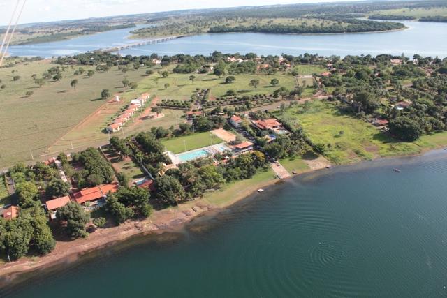 Imagem aréa da colônia de férias CAASP as margens do Rio paraná